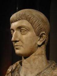 Escultura del emperador Romano Constantino